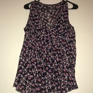 Daisy Fuentes perfect condition tank blouse